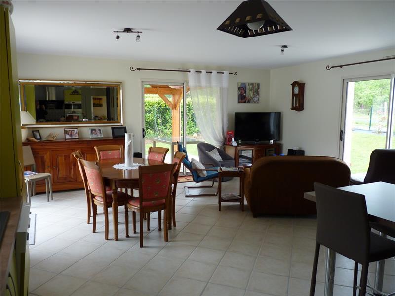 Maison ST CIRQ - 5 pièces  -   130 m²