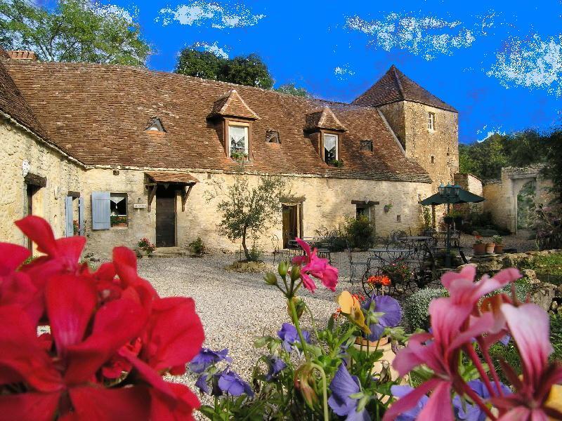 Vente Maison AUDRIX (24260) - 23 pièces 750 m²