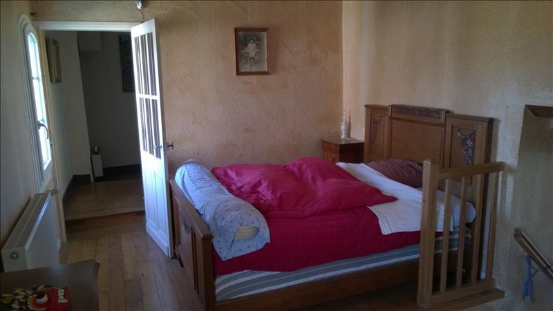 Maison VARENNES - 6 pièces  -   135 m²