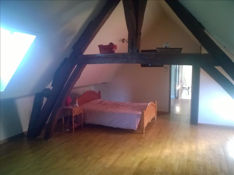 Maison ST DENIS DE JOUHET - 4 pièces  -   105 m²