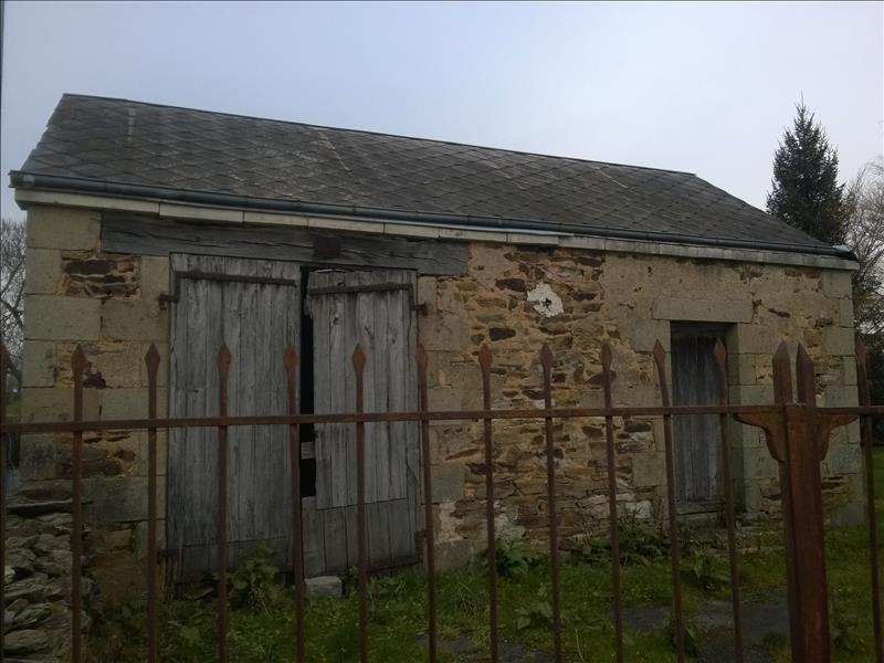 Maison ST DENIS DE JOUHET - 8 pièces  -   150 m²