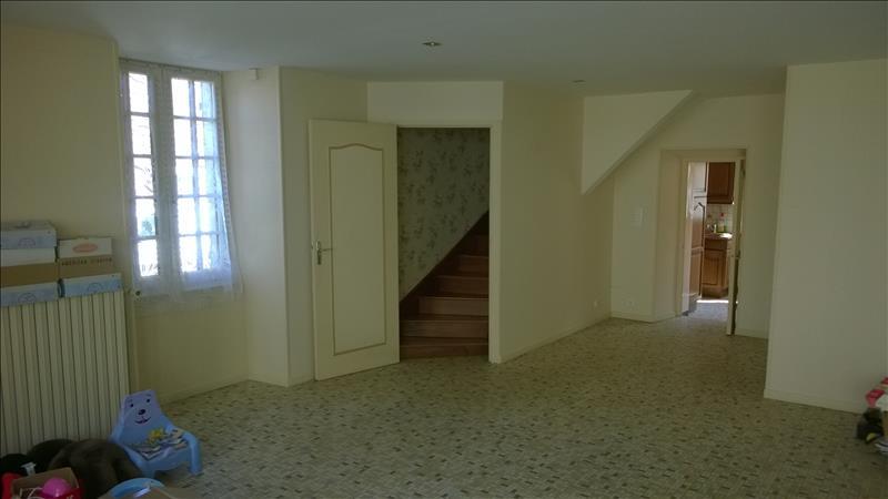 Maison ST DENIS DE JOUHET - 7 pièces  -   153 m²
