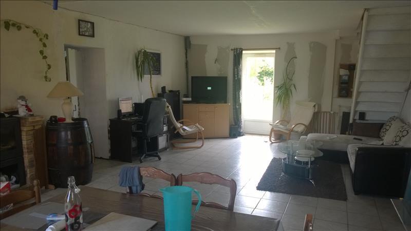 Maison TRANZAULT - 7 pièces  -   156 m²