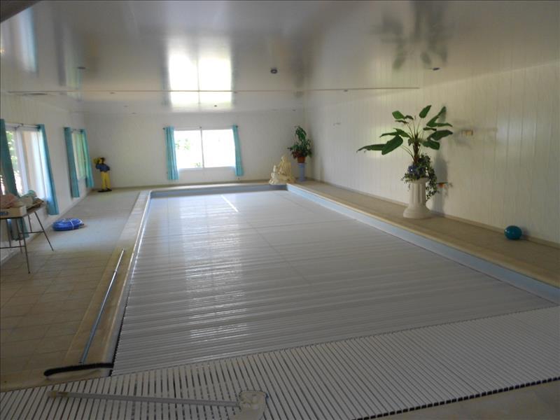 Maison NAZELLES NEGRON - 6 pièces  -   160 m²