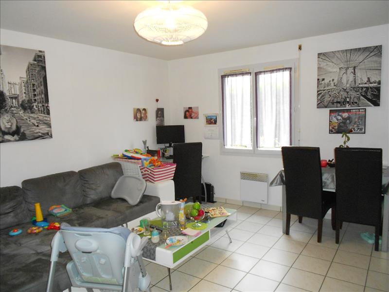 Maison AMBOISE - 3 pièces  -   70 m²