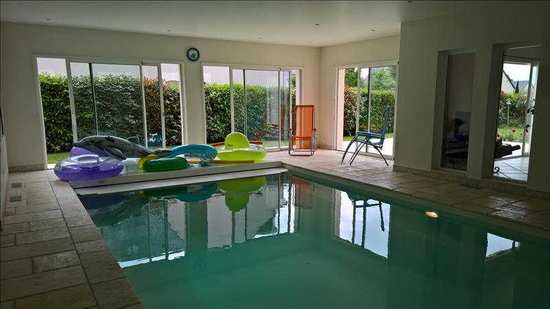 Maison ST AVERTIN - 6 pièces  -   221 m²