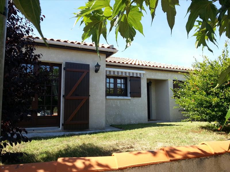 Maison LES MATHES - 5 pièces  -   104 m²