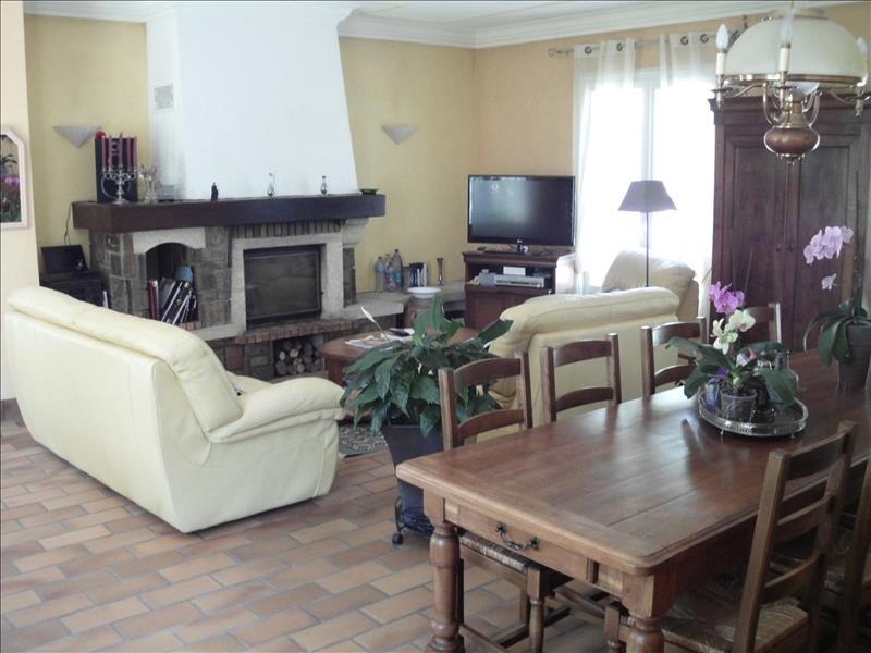 Maison ST ASTIER - 4 pièces  -   146 m²