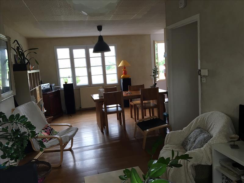Maison ST LEON SUR L ISLE - (24)