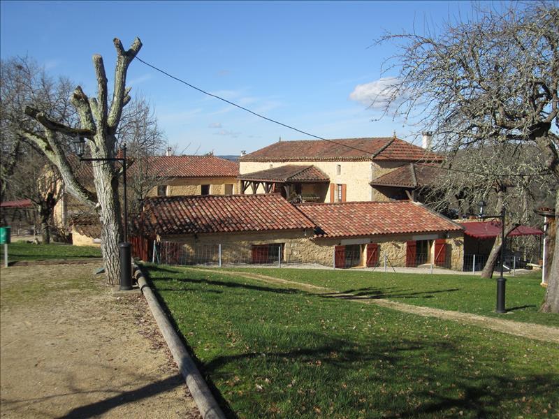 Vente Maison FUMEL (47500) - 14 pièces 361 m²
