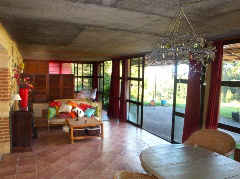 Maison FUMEL - 8 pièces  -   290 m²