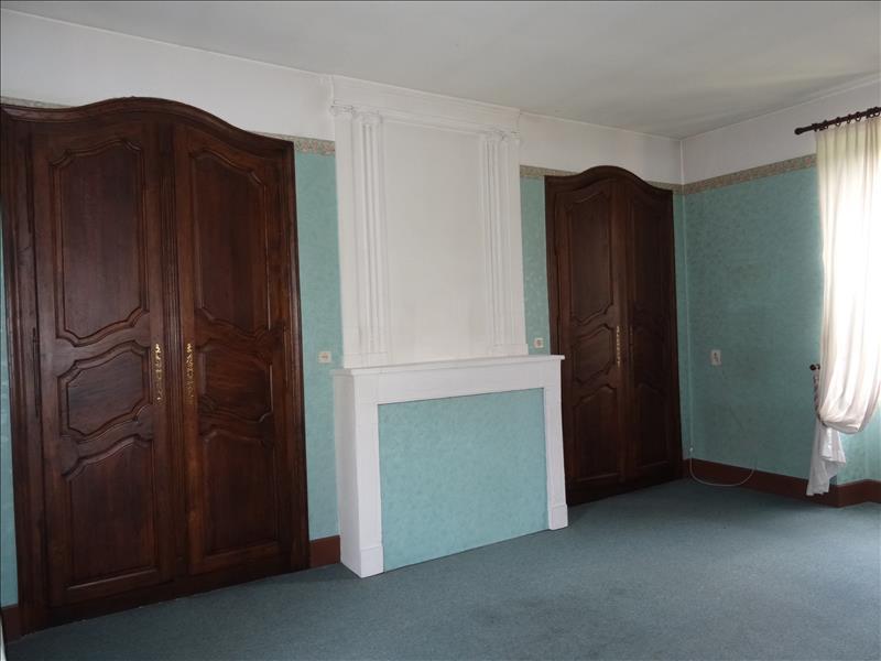 Maison MONTAYRAL - 7 pièces  -   180 m²