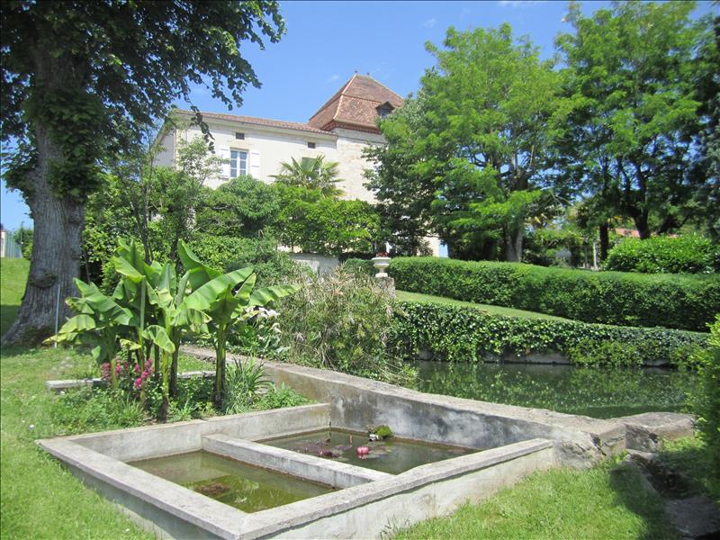 Maison MONSEMPRON LIBOS - 6 pièces  -   317 m²