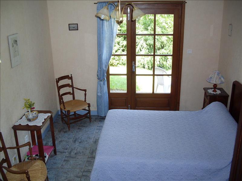 Maison ST BONNET TRONCAIS - 10 pièces  -   190 m²