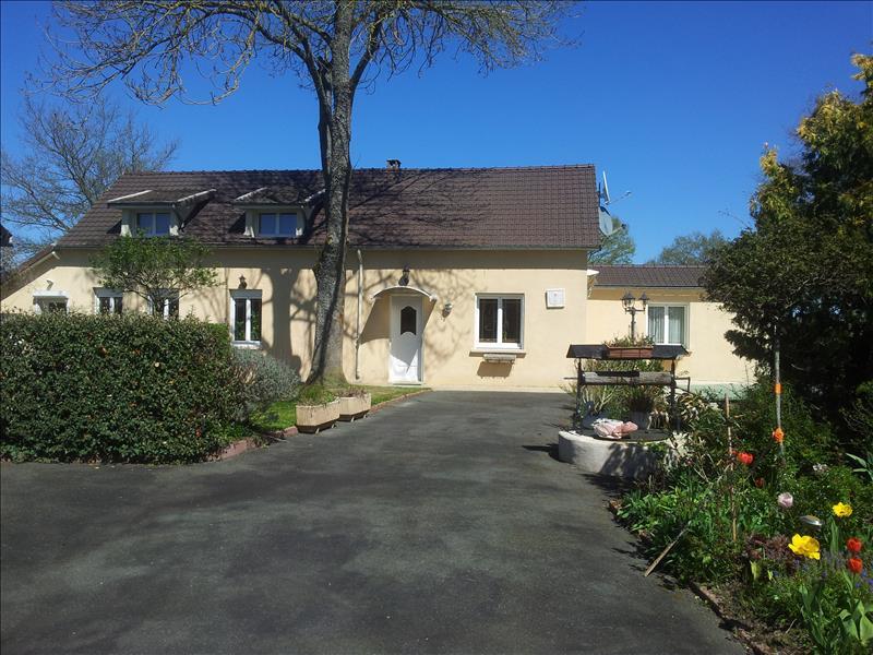 Maison BANNEGON - 5 pièces  -   180 m²
