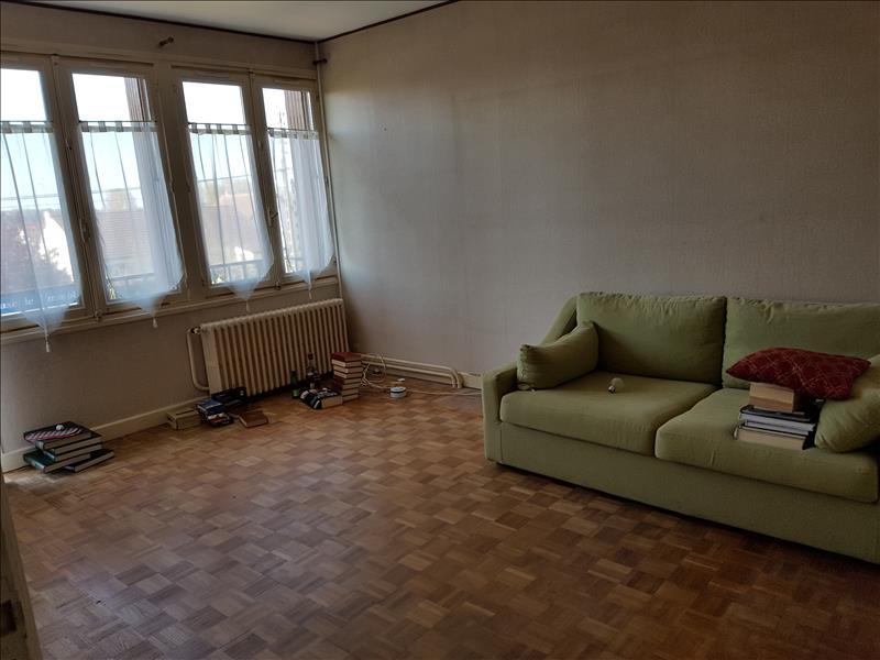 Maison ST AMAND MONTROND - 4 pièces  -   90 m²