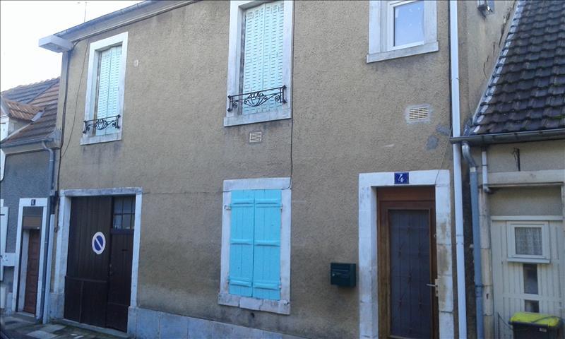 Maison ST AMAND MONTROND - 4 pièces  -   103 m²