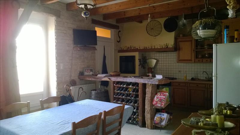 Maison LUSSANT - 6 pièces  -   155 m²