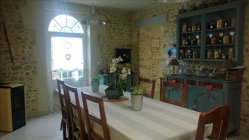 Maison TONNAY CHARENTE - 8 pièces  -   194 m²