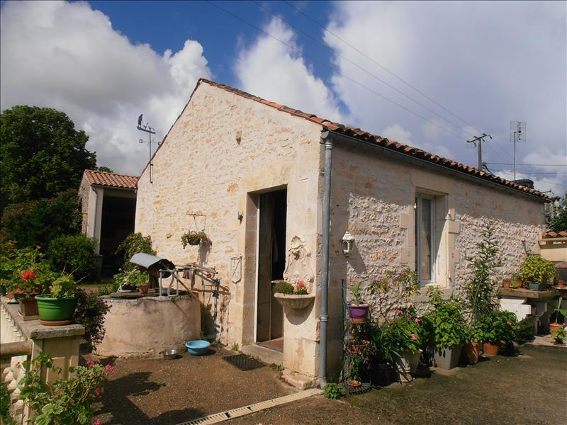 Maison BEURLAY - 10 pièces  -   290 m²
