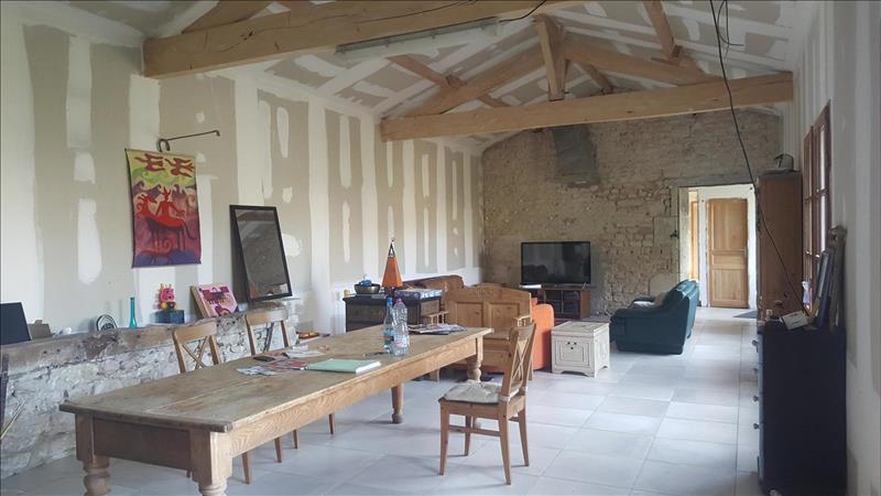 Vente Maison TRIZAY (17250) - 15 pièces - 164 m² -
