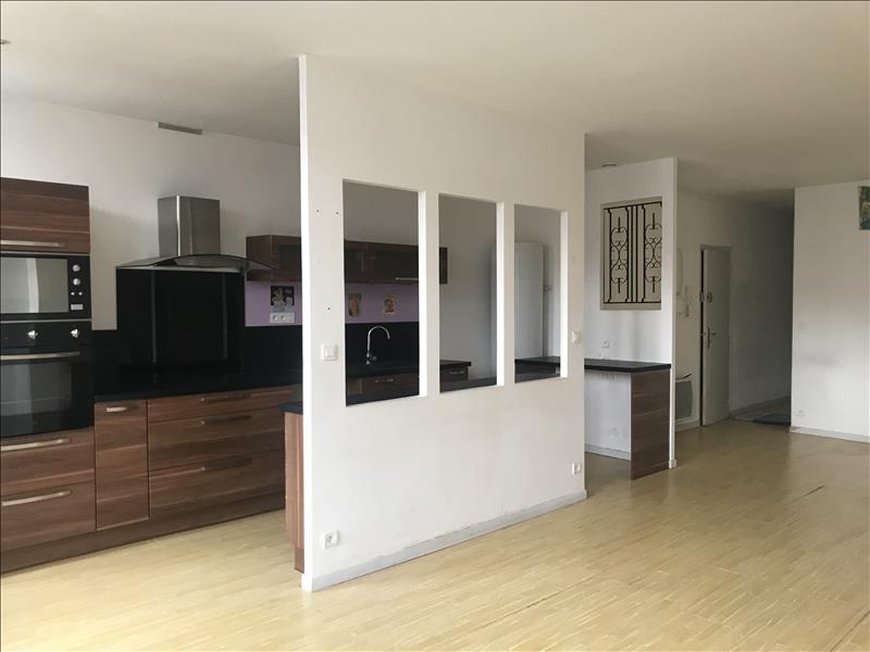 Appartement  - 3 pièces    - 82 m² - ROCHEFORT (17)
