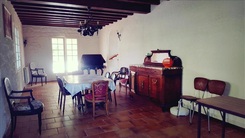 Vente Maison CHAMPDOLENT (17430) - 5 pièces - 151 m² -
