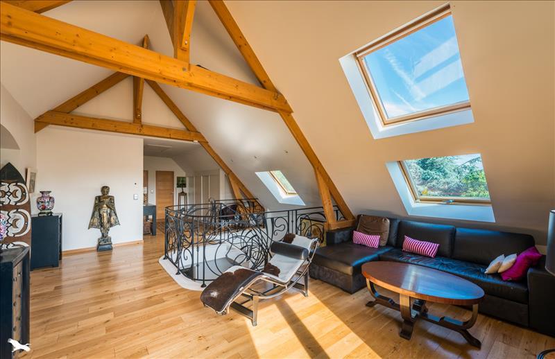 Maison CHAPET - 6 pièces  -   259 m²