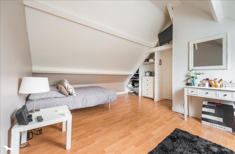 Maison GOUSSONVILLE - 8 pièces  -   195 m²