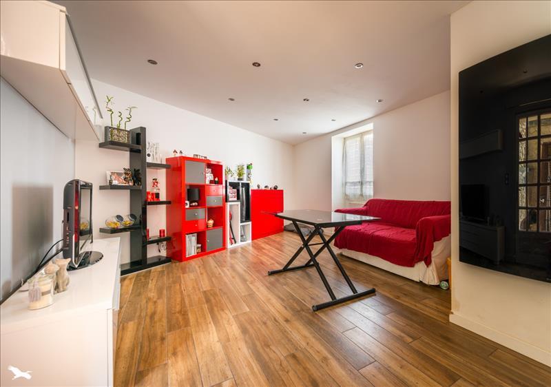 Maison BAZEMONT - 3 pièces  -   70 m²