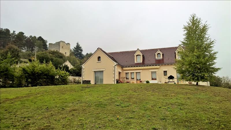 Maison LOCHES - 6 pièces  -   190 m²