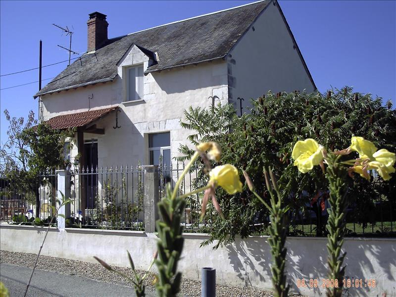 Maison VERNEUIL SUR INDRE - 4 pièces  -   87 m²
