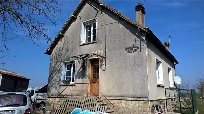 Maison ST FLOVIER - 5 pièces  -   87 m²