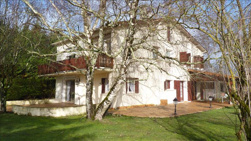 Maison ST ROMAIN DE BENET - (17)