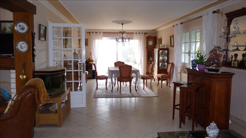 Maison ST ROMAIN DE BENET - 9 pièces  -   251 m²