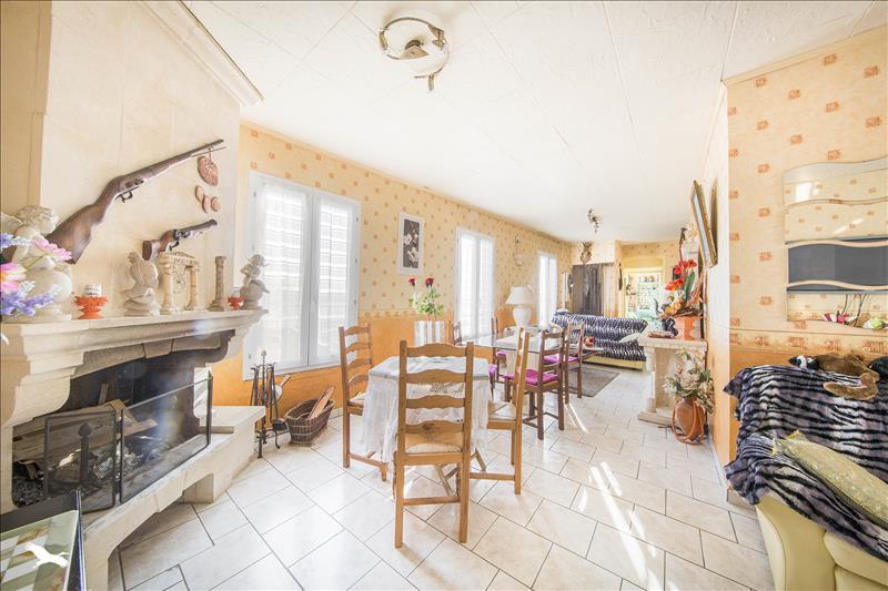 Vente Maison ROLLEBOISE (78270) - 7 pièces 120 m²