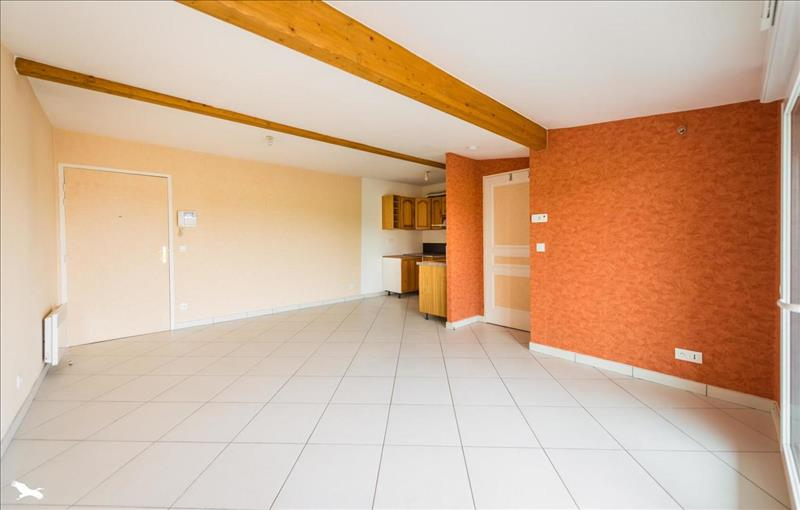 Appartement  - 2 pièces    - 46 m² - ORVILLIERS (78)