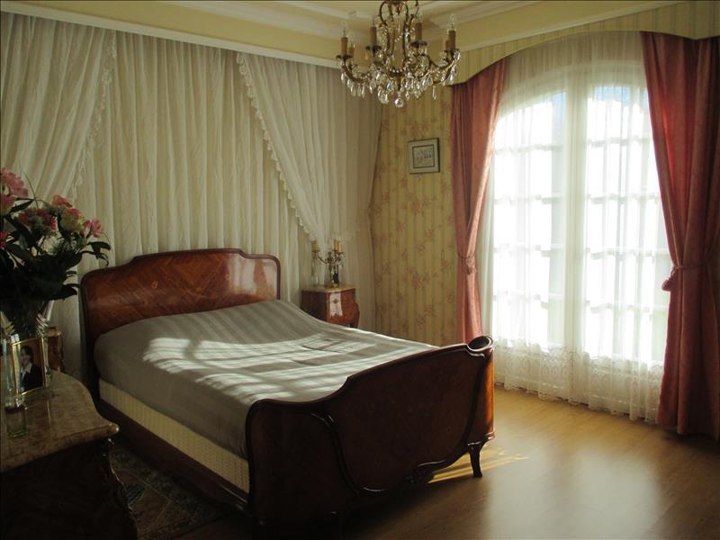 Maison CLION - 6 pièces  -   178 m²