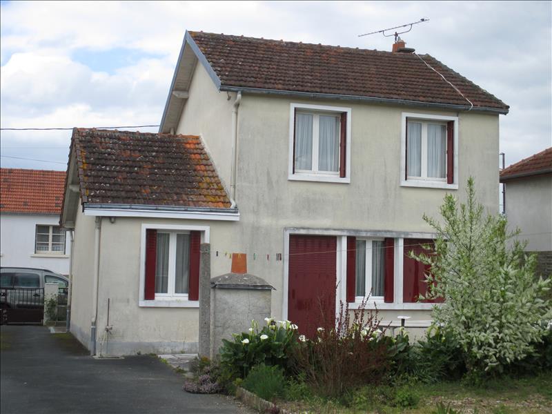 Maison CHATILLON SUR INDRE - 4 pièces  -   85 m²
