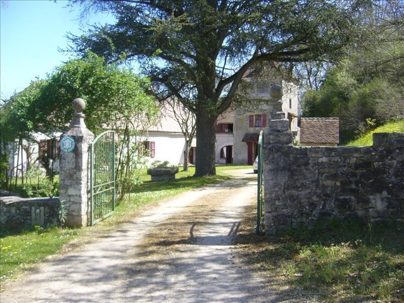 Vente Maison MEYRONNE (46200) - 10 pièces 335 m²