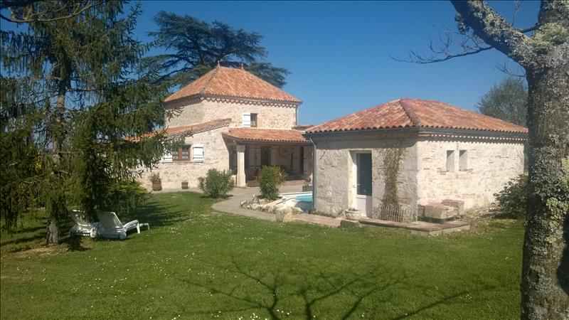Maison PUYMIROL - 5 pièces  -   227 m²
