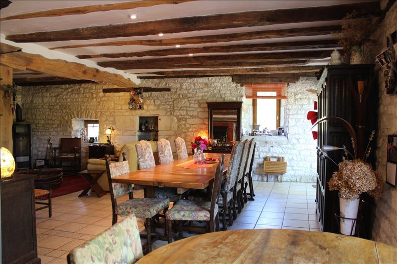 Vente Maison ST SOZY (46200) - 8 pièces - 285 m² -