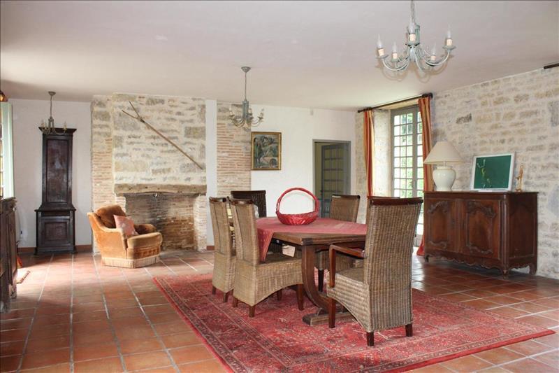 Vente Maison MONTFAUCON (46240) - 14 pièces - 260 m² -