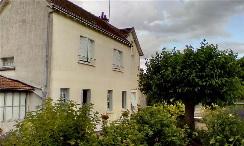 Maison STE MAURE DE TOURAINE - 5 pièces  -   88 m²