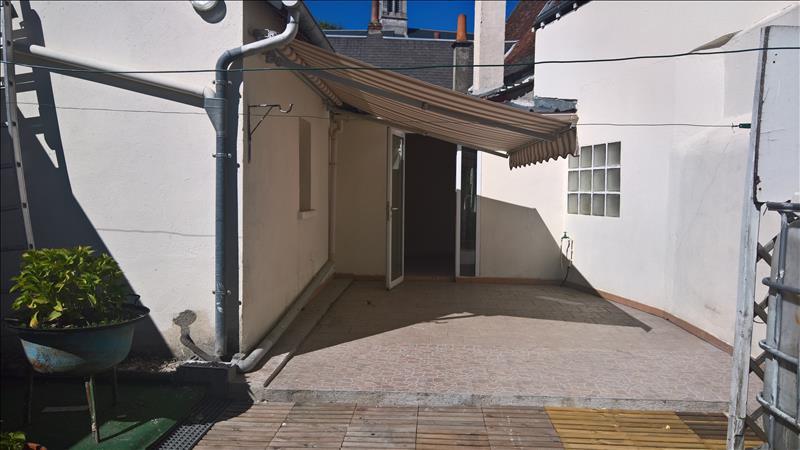Maison STE MAURE DE TOURAINE - 4 pièces  -   100 m²
