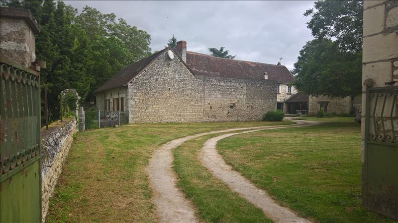 Maison CROUZILLES - 8 pièces  -   255 m²