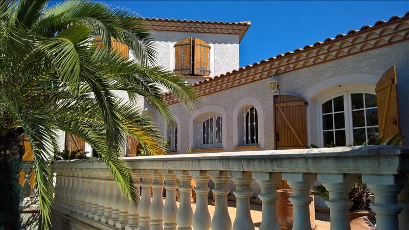 Maison CLERMONT L HERAULT - 4 pièces  -   140 m²