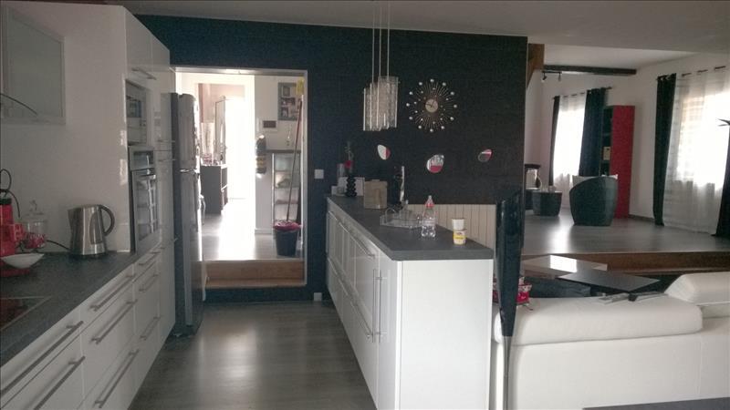 Maison AMBARES ET LAGRAVE - 5 pièces  -   172 m²