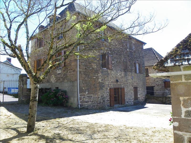 Maison LE PESCHER - 7 pièces  -   180 m²