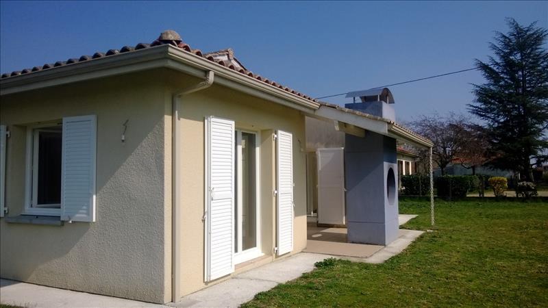 Maison LE PIZOU - 4 pièces  -   106 m²
